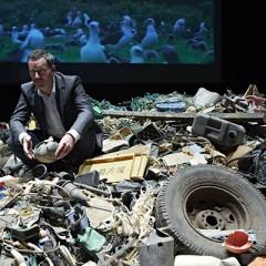 'Out to Sea? El proyecto de los residuos de plástico' exposición en Vigo