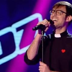 El padre Damián gana la batalla a Toni en 'La Voz'