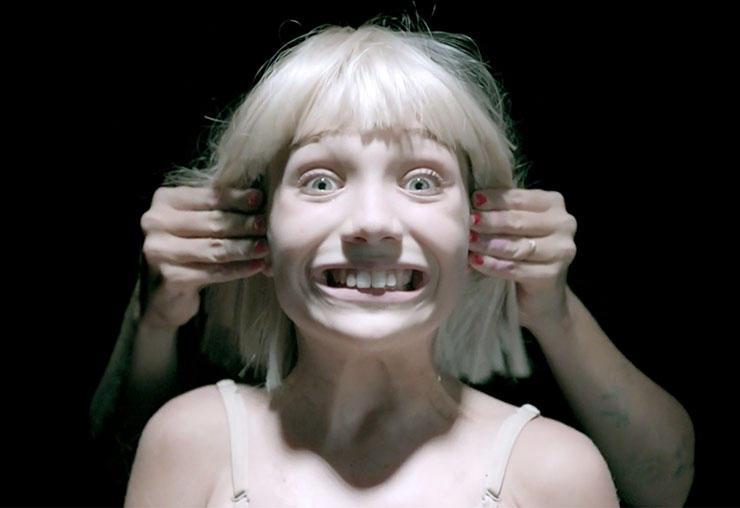 Sia estrena el video de 'Big Girls Cry'