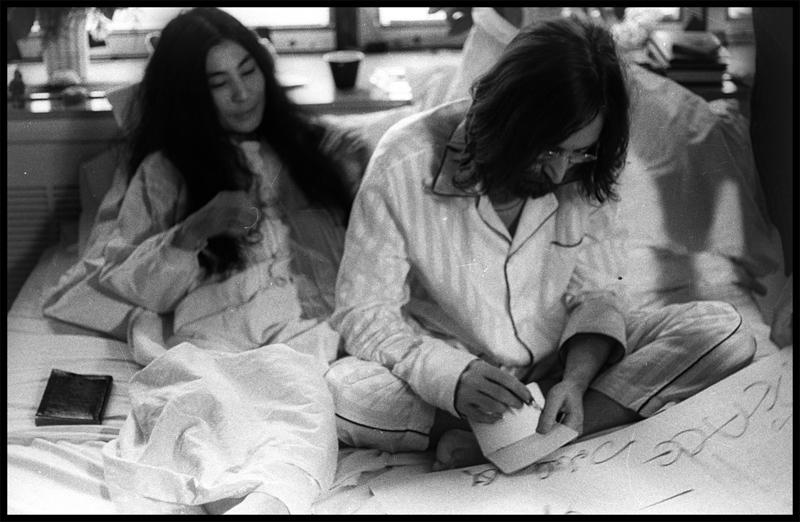 'John Lennon & Yoko Ono: Suite 1742. Fotografías de Bruno Vagnini' en La Térmica en Málaga