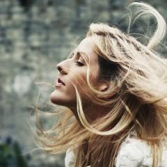 Nueva canción de Ellie Goulding, 'Something In The Way You Move'