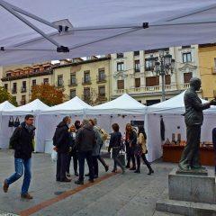 Madrid Crea en la Plaza de Santa Ana, vuelven los artesanos
