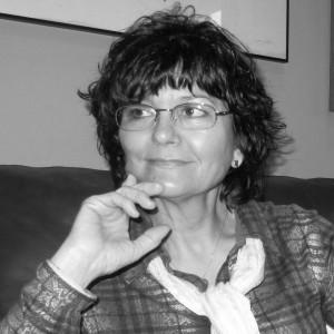 Ángeles Mora en las Veladas Poéticas
