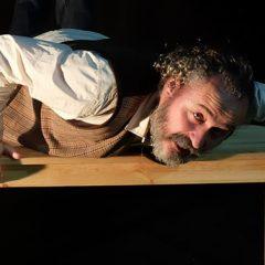 Ronco Teatro: 'Inútil sin referencias' en el Teatro Clunia