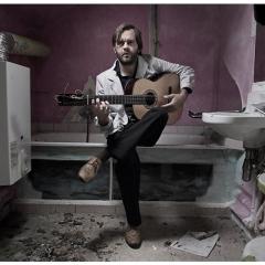 Myrddin, excepcional guitarrista belga discípulo de Manolo Sanlucar y Gerardo Nuñez, el Viernes 1 en Extremum, 19,00h-Entrada Libre