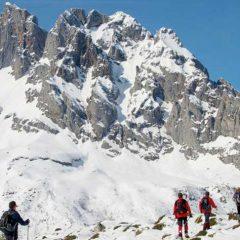 Raquetada de Valdeón descubriendo Picos de Europa