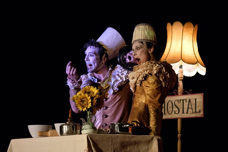El XIV Festival Internacional de Teatro con Títeres, Objetos y Visual trae 'Bianco' al Teatro Cánovas