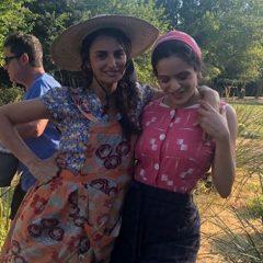 Rosalía y Penélope Cruz juntas cantando 'A tu vera'