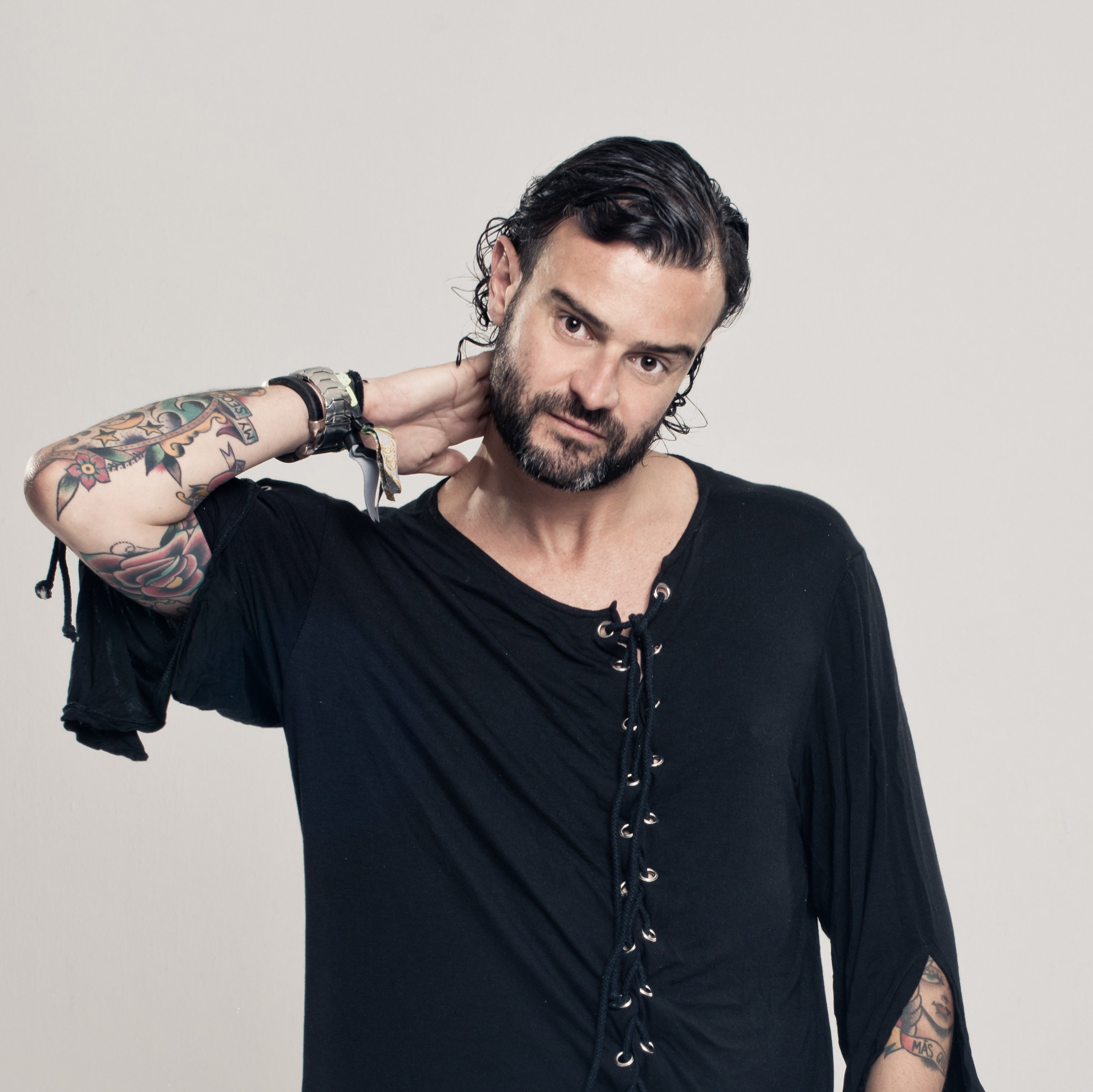 El DJ portugués Gonçalo actuará en lo alto de la Torre Schindler de Sevilla para recaudar fondos en favor de la ONG Bridges for Music
