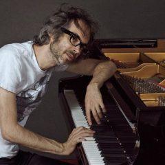 James Rhodes presenta su gira «Piano tour» en Pontevedra