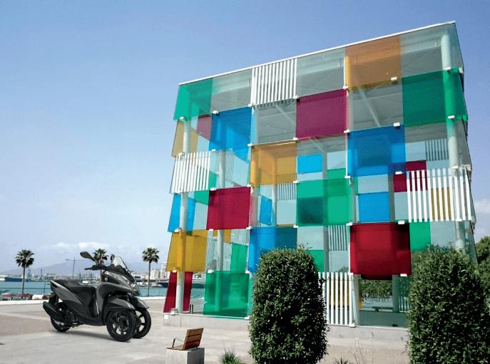Vive una Málaga distinta con tu Yamaha Tricity 125