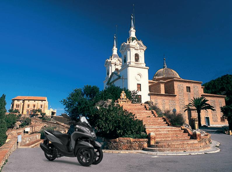 Vive una Murcia distinta con tu Yamaha Tricity 125