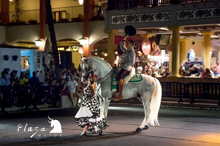 El Festival de Verano de Plaza Mayor se inaugura con un espectáculo ecuestre