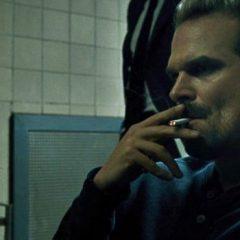 Netflix prohíbe el tabaco ante las críticas recibidas en 'Stranger Things'