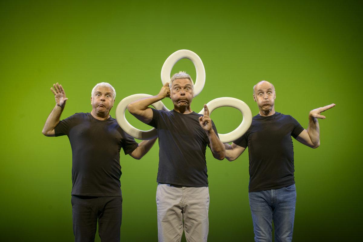 Tricicle presenta Hits en el Teatro Cervantes de Málaga