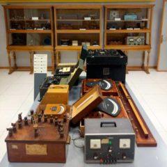El laboratorio de Telégrafos: Aparatos y utensilios en Museo Postal y Telegráfico en Madrid