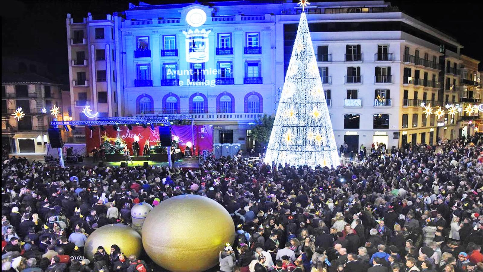 Campanadas, espectáculos, uvas, cotillón y orquesta en la Nochevieja 2019 en la Plaza de la Constitución de Málaga