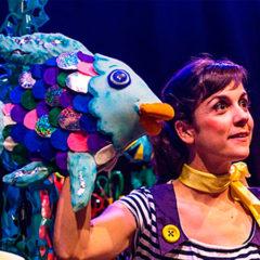 El peix irisat en Teatre Municipal Cooperativa de Barberà en Barcelona