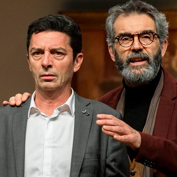 L'electe (Carles Sanjaime) en Teatre Municipal d'Algemesí en Valencia