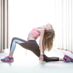 Yoga en casa con la burgalesa Estela Gutiérrez Gómez