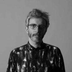 Xoel López canta «Reconstrucción» junto a Deluxe
