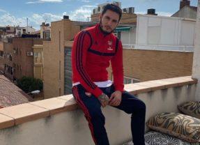 Omar Montes, más que solidario en su barrio