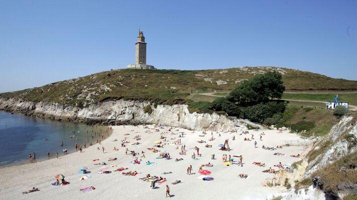 Las playas de Coruña, solo para los coruñeses durante un mes