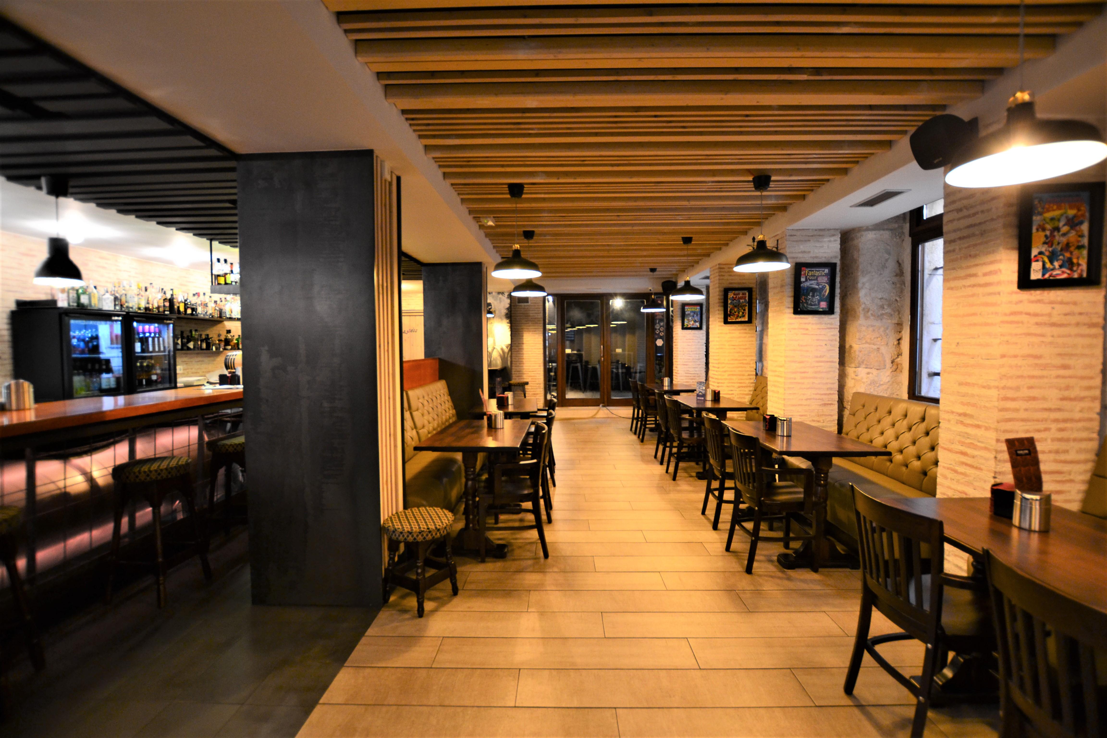 Restaurante Four Lions