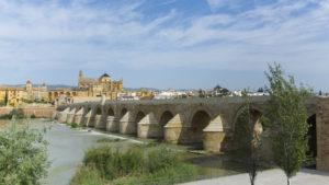 Puente_Romano_la_Mezquita_de_Cordoba_Cordoba