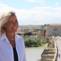 Córdoba, ciudad que te cuida, por Isabel Albás. Artículo de opinión en exclusiva para laguiaGO! Córdoba