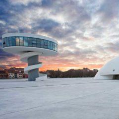 Centro Niemeyer. Reflejos de Asturias en Casa de Cultura de Llanes