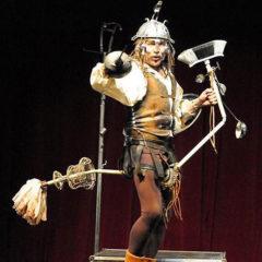 El Quijote (Luis Hostalot) en Recinto Corral Cervantes en Madrid