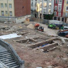 Encuentran 10.000 piezas de los siglos XIII al XVII en Las Llanas