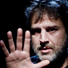 Alberto San Juan. Autorretrato de un joven capitalista español en Teatre Condal en Barcelona
