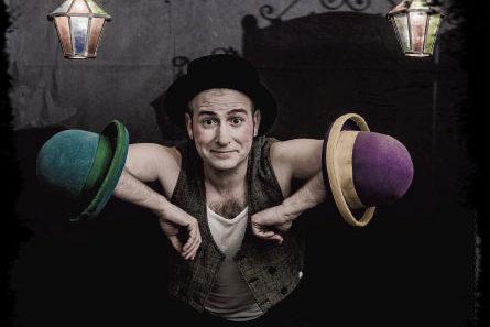 Circo: 'Comediante' con Cia. Kicirke en la Biblioteca Pública