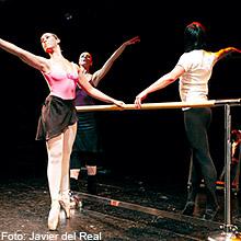 ¡Movimientos! La danza de la punta al tacón en Teatro Salón Cervantes en Madrid