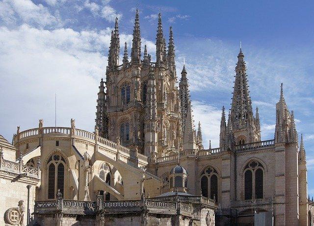 La junta anunciará el confinamiento de Burgos a lo largo de la mañana