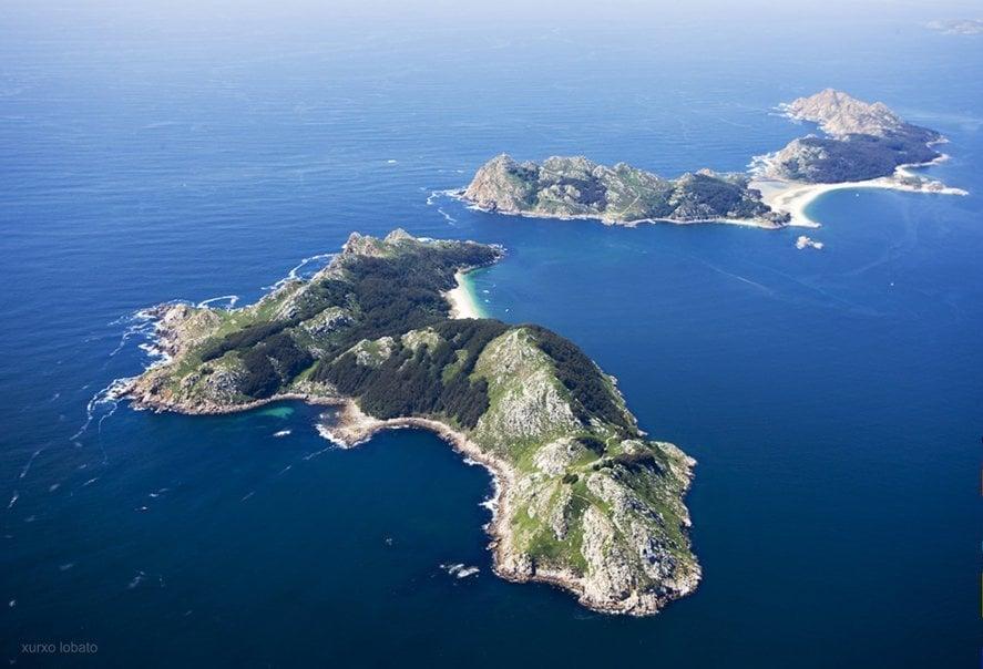 Entre faros; Una ruta de senderismo por las Islas Cíes