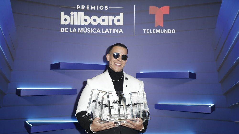 Daddy Yankee y Bad Bunny triunfan en los Latin Billboard