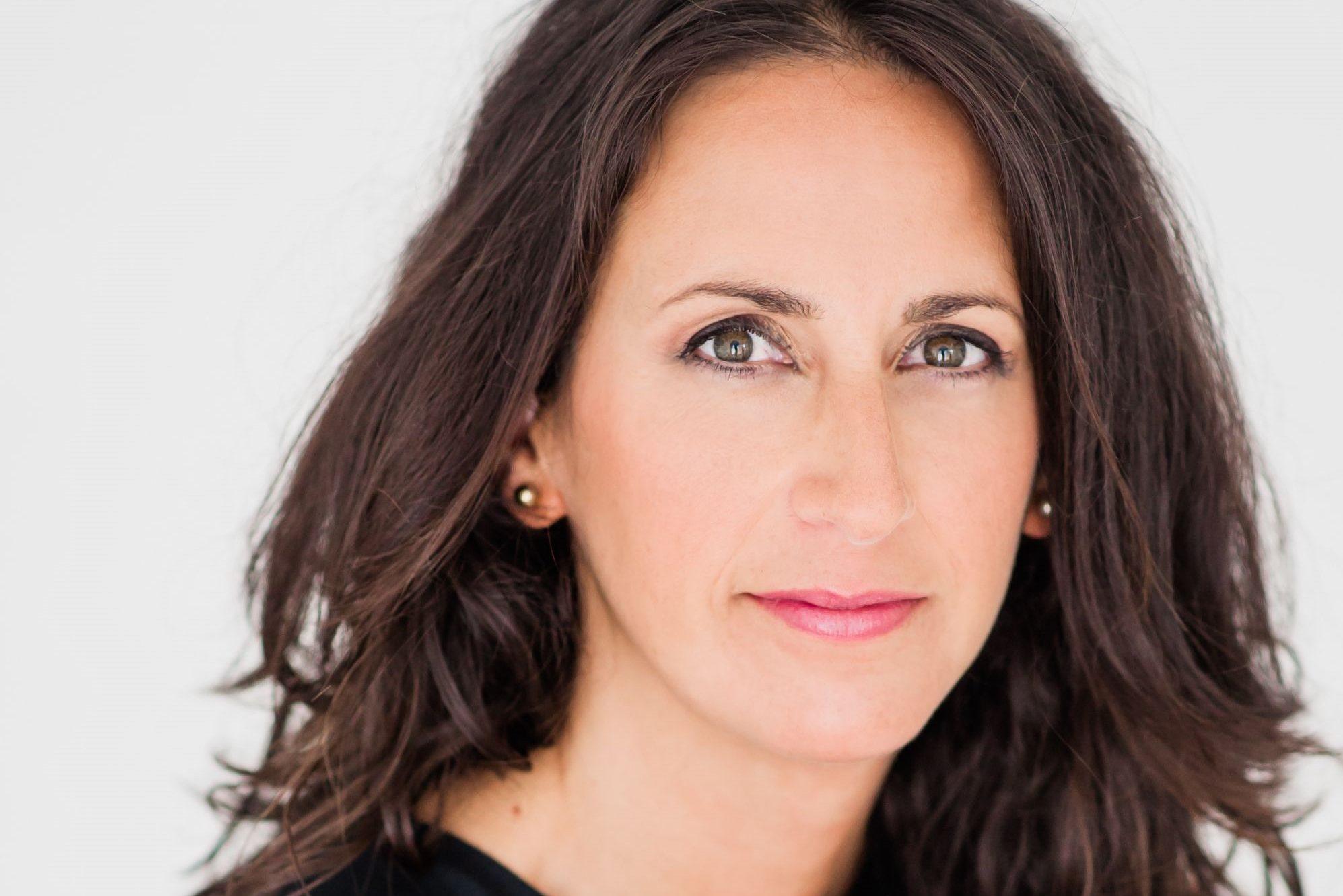 Literatura: María Oruña presenta 'El bosque de los cuatro vientos' en el MEH