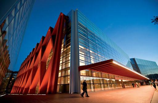 fachada del MEH, nominado a los premios la 8 burgos