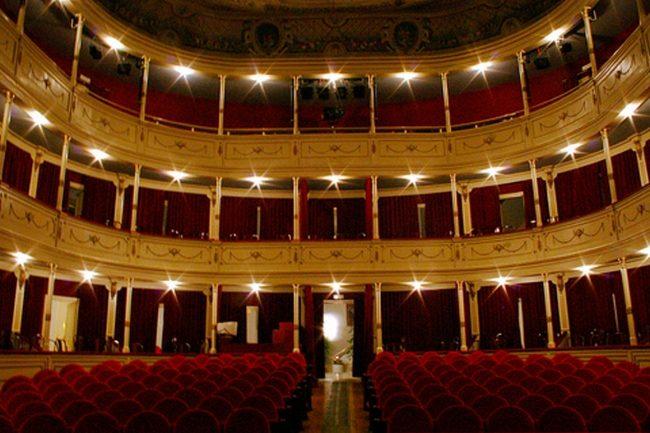 Imagen del teatro principal de Burgos. Cultura segura Castilla y León