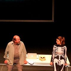 Un país sin descubrir de cuyos confines no regresa ningún viajero en Teatro de La Abadía en Madrid