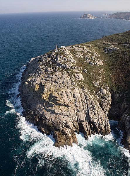 Faro de Punta Roncadoira. Faros de Galicia