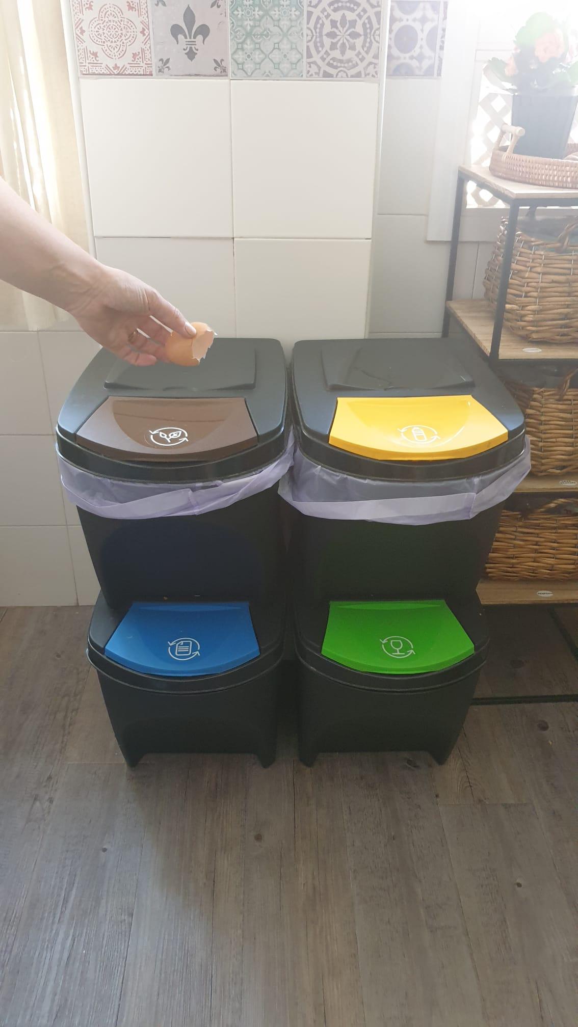 Recicla, Reutiliza y Reduce