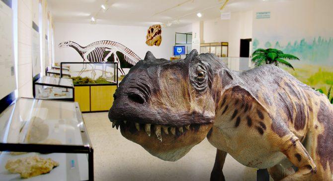 Visista museo dinosaurios 1 min