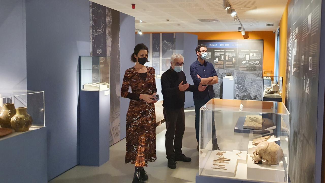 La exposición 'Sobre espaldas de Gigantes' se aloja en Arkeologi Museoa