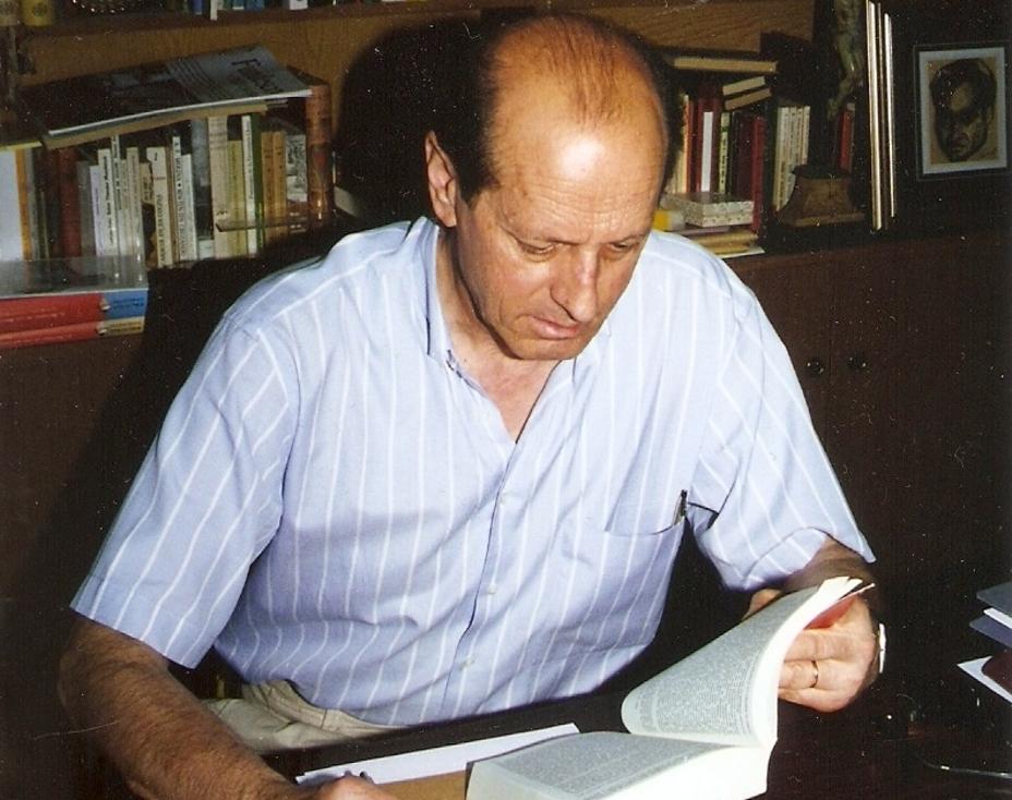'El juego del verso' la exposición sobre Antonio L. Bouza en el MEH