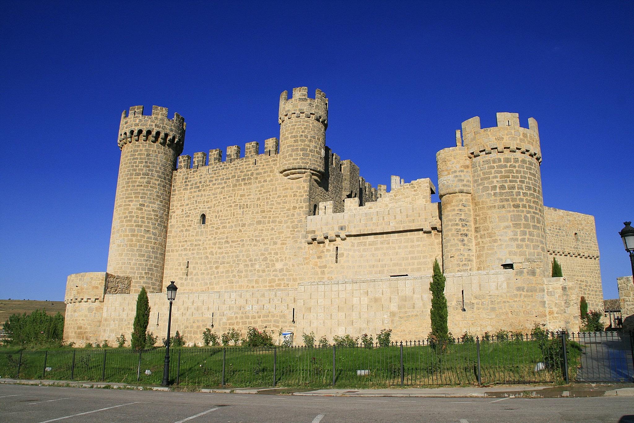 Imagen del Castillo de Olmillos de Sasamon en la provincia de Burgos
