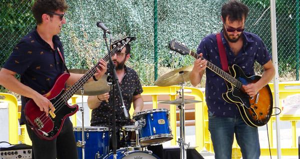 Red Duck Blues Trio, concierto en el restaurante Mollo de Nigrán
